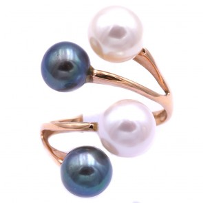 Anello contrariè doppio oro e perle bianche e nere