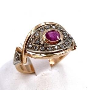 Anello in stile oro, rubino e diamanti - 0.40 ct. 5.93 gr.