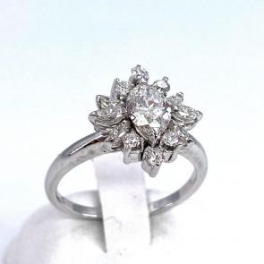 Anello margherita oro, marquise diamanti - 1.31 ct; 4.35 gr
