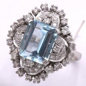 Anello maxi fiore oro, acquamarina - 4.4 ct - e diamanti - 0.98 ct; 7.9 gr