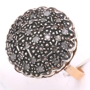 Anello toppa circolare in stile oro e diamanti - 0.60; 8.75 gr