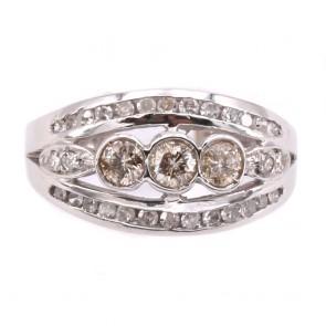 Anello fascia trilogy in stile oro e diamanti