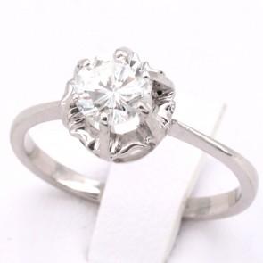 Anello solitario oro e diamante - 0.69 ct, FG-VVS2; 2.53 gr