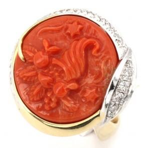 Anello Silvia Kelly cammeo corallo in stile oro e diamanti - 0.40-0.50 ct; 20.15 gr