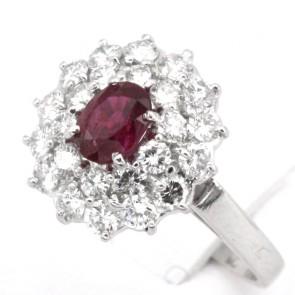Anello margherita di rubino - 0.30-0.35 ct - e doppio giro di diamanti - 1.15-1.25 ct; 4.4 gr
