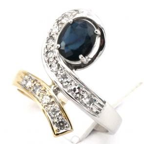Anello contrariè bicolore in stile oro, zaffiro - 0.80-0.90 ct e diamanti - 0.20-0.30 ct; 5.63 gr