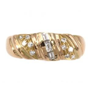 Anello fascia scanalata, oro giallo e diamanti