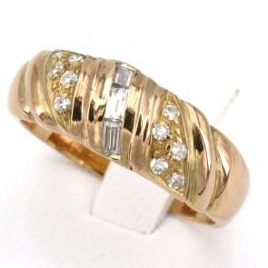 Anello fascia scanalata, oro giallo e diamanti - 0.30-0.35 ct; 6.44 gr