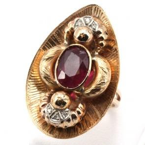 Anello maxi oro in stile con diamanti - 0.10 ct e rubini -5.10 ct; 8.88 gr