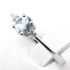 Anello oro acquamarina - 0.40-0.45 ct- e diamanti - 0.05 ct; 2.13 gr