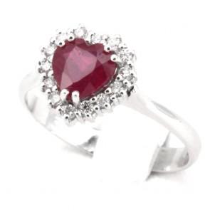 Anello oro cuore rubino - 1.32 ct- e diamanti - 0.28 ct; 3.58 gr