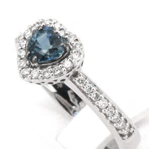 Anello oro cuore zaffiro - 0.80 ct- e diamanti - 0.36 ct; 4.5 gr