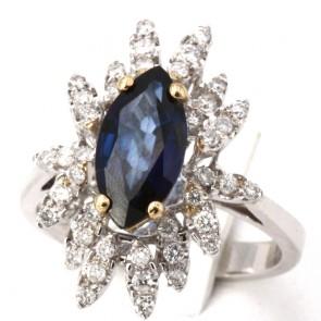 Anello margherita spola iolite - 2.7 ct - e diamanti - 0.86 ct; 6.39 gr