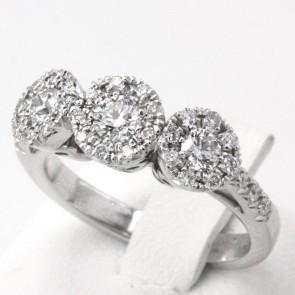 Anello trilogy margherite in oro e diamanti -0.85-0.95 ct; 6.3 gr