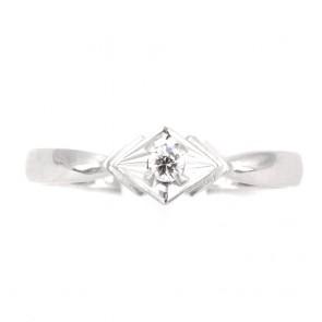 Anello solitario, motivo geometrico, oro e diamante