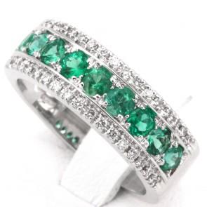 Anello fascia oro, diamanti - 0.26 ct- e smeraldi - 0.85 ct; 8.5 gr