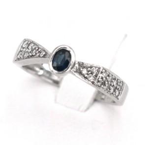 Anello fascia oro, diamanti - 0.12-0.13 ct- e zaffiro solitario - 0.25-0.30 ct; 3.05 gr