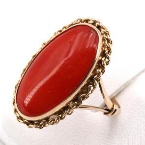 Anello ovale allungato in stile corallo e oro; 4.48 gr