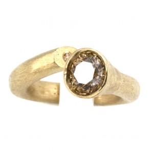Anello contrariè oro e diamante solitario brown