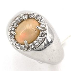 Anello in argento con opale e zirconi; 7.07 gr