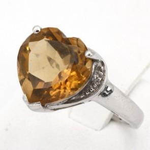 Anello in argento con maxi cuore di quarzo citrino e zirconi; 4.25 gr