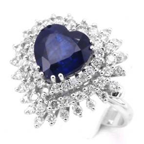 Anello maxi cuore oro, zaffiro - 3.88 ct - e diamanti - 1.36 ct ; 7.2 gr