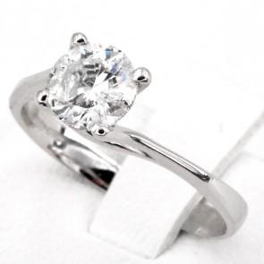 Anello solitario, montatura modello valentino, oro e diamante - 1.00 ct; 2.56 gr