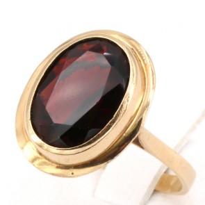 Anello in stile ovale oro e granato - 5.57 gr.