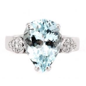 Anello oro, goccia acquamarina di e diamanti