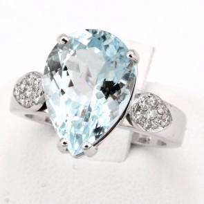 Anello oro, goccia acquamarina di 1.4 x 1 cm - 5.5 ct - e diamanti - 0.22 ct; 8.08 gr