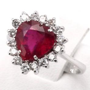 Anello oro cuore rubino - 3.45 ct- e diamanti - 0.55 ct; 4.22 gr