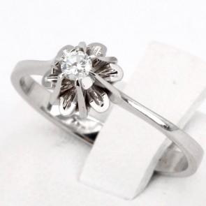 Anello solitario, montatura fiore, oro e diamante - 0.08-0.10 ct; 2.5 gr