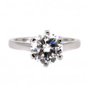 Anello solitario, montatura a 6 griffes, platino e diamante