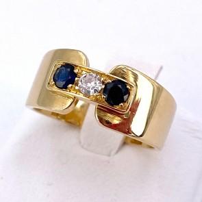 Anello fascia in oro giallo con zaffiro -0.20-0.25 ct- e diamante -0.10-0.11 ct; 6.9 gr.