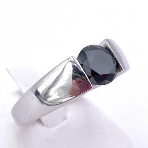 Anello uomo fascia e diamante solitario nero- 1.60-1.70 ct; 6.68 gr