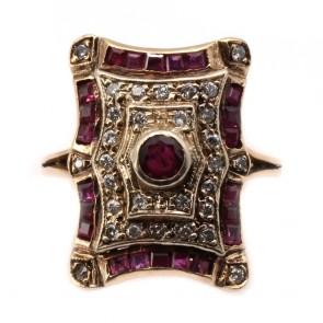 Anello toppa in stile oro, rubini e diamanti