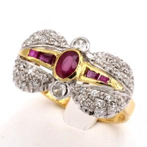 Anello fiocco in stile oro, rubini - 1.30-1.35 ct e diamanti - 0.40 ct; 4.4 gr
