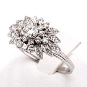 Anello maxi fiore in oro e diamanti con solitario in sormonto-0.70-0.85 ct totali; 4.65 gr