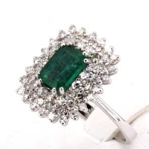 Anello margherita rettangolare oro, smeraldo - 2.00-2.20 ct - e 3 giri di diamanti - 1.50-1.60 ct; 6 gr