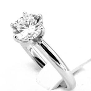 Anello solitario, montatura a 6 griffes, oro e diamante - 1.59 ct; 4.87 gr