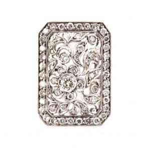 Anello capolavoro rettangolare, in stile, oro e diamanti