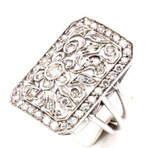 Anello capolavoro rettangolare, in stile, oro e diamanti  - 1.0-1.1 ct ; 9.54 gr