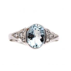 Anello oro, ovale acquamarina e diamanti