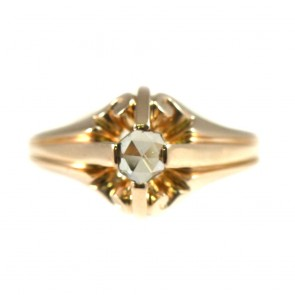 Anello solitario, in stile decò, oro e diamante - 0,10-0,12 ct; 3,7 gr