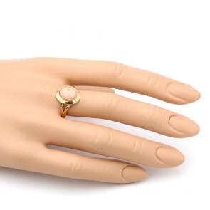 Anello ovale in stile corallo rosa e oro; 3.93 gr