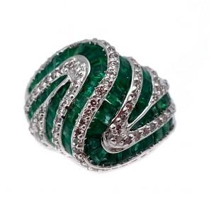 Anello cupola oro, smeraldi - 4.24 ct - e diamanti