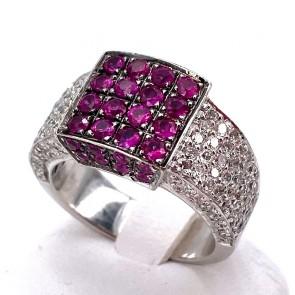 Anello fascia geometrica, oro, rubini - 1.0-1.1 ct - e diamanti - 1.1-1.2 ct; 12.74 gr