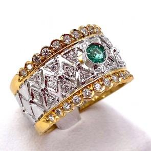 Anello fascia traforata oro, smeraldo - 0.20 ct - e diamanti - 0.70 ct; 6.89 gr