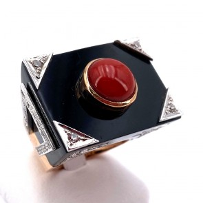 Anello oro maxi rettangolo onice, corallo e diamanti - 0.65 ct; 15.17 gr