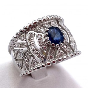 Anello fascia traforata oro, zaffiro - 0.65 ct - e diamanti - 0.45 ct ; 7.5 gr